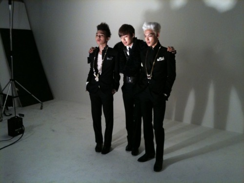 Se7en with GD and TOP Tumblr_ld9owo4ywo1qah2jso1_500